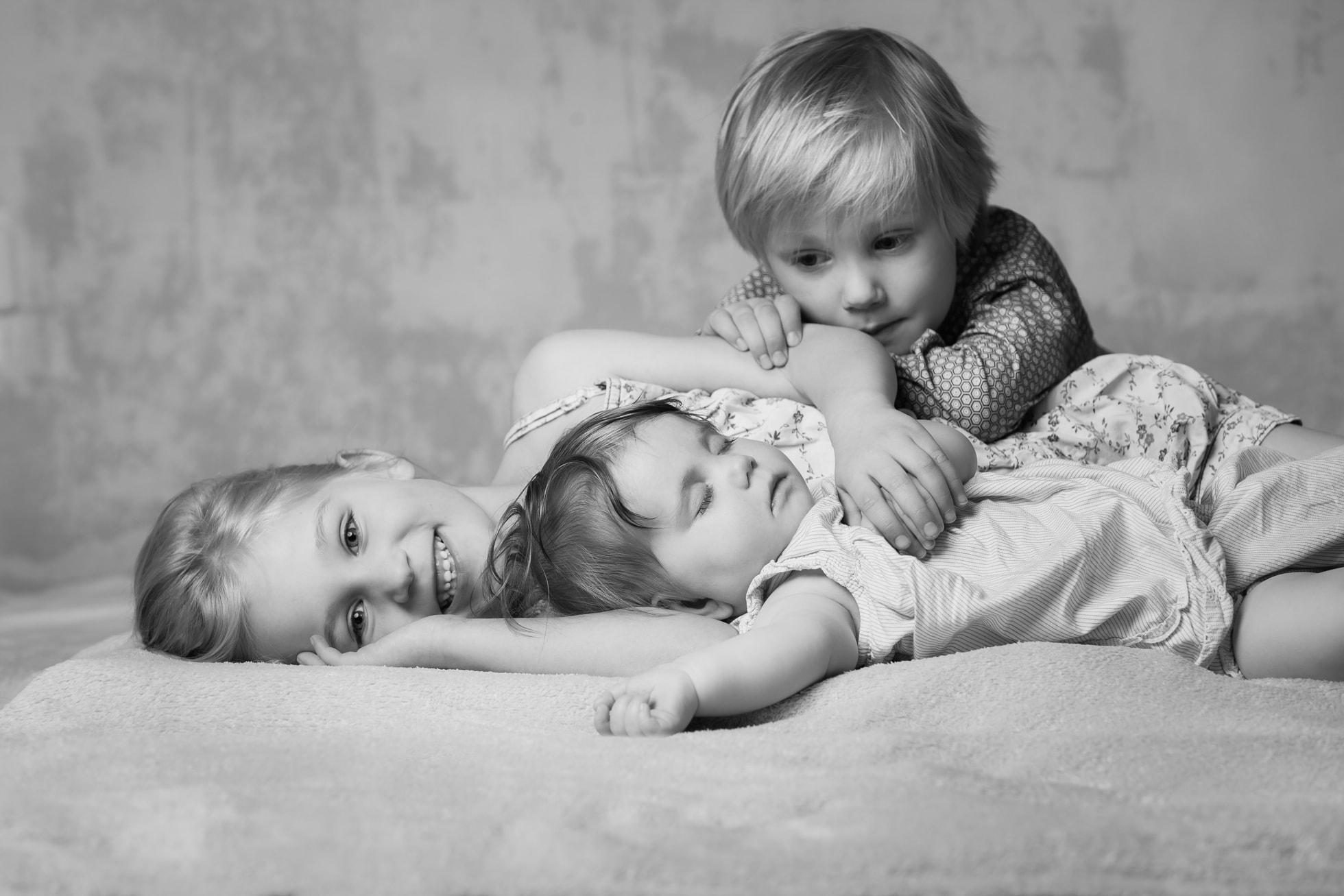 Kinderfotoshooting Geschwister Familie Fotostudio Berlin