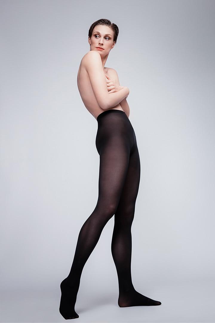 Fashion Sedcard Teilakt Nude Fotoshooting Fotostudio Berlin